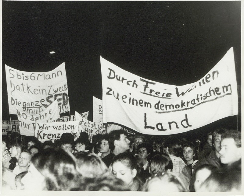 Demonstration in Weimar am 07. November 1989, Foto und Bildrechte: Klaus Bergmann